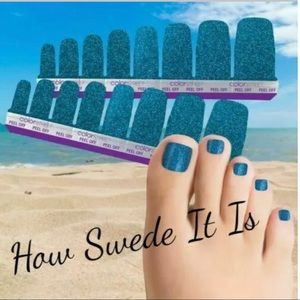 COLOR STREET Pedicure Nail Strips HOW SWEDE IT IS